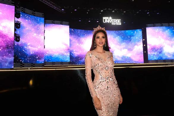 HHen Niê đăng quang Hoa hậu Hoàn vũ Việt Nam 2017 - Ảnh 43.