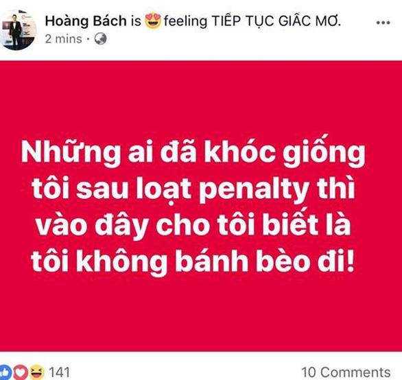 Mỹ Tâm, Đàm Vĩnh Hưng cầm cờ đi bão mừng chiến thắng U-23 VN - Ảnh 7.