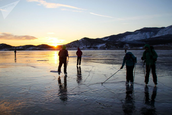 Vẻ đẹp tinh khiết của hồ Baikal và hồ Xanh - Ảnh 3.