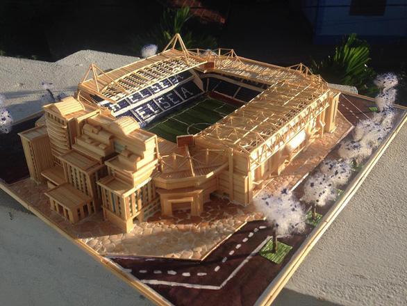 Mù bóng đá vẫn làm mô hình sân vận động tuyệt đẹp - Ảnh 2.