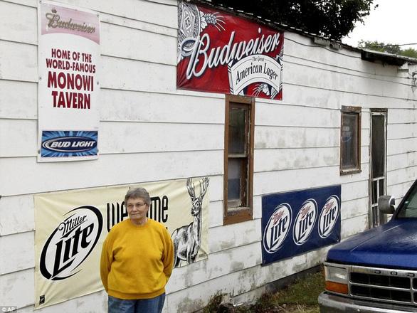 Thăm thị trấn nhỏ nhất nước Mỹ chỉ với một công dân 84 tuổi - Ảnh 1.