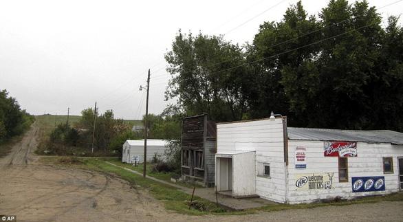 Thăm thị trấn nhỏ nhất nước Mỹ chỉ với một công dân 84 tuổi - Ảnh 2.