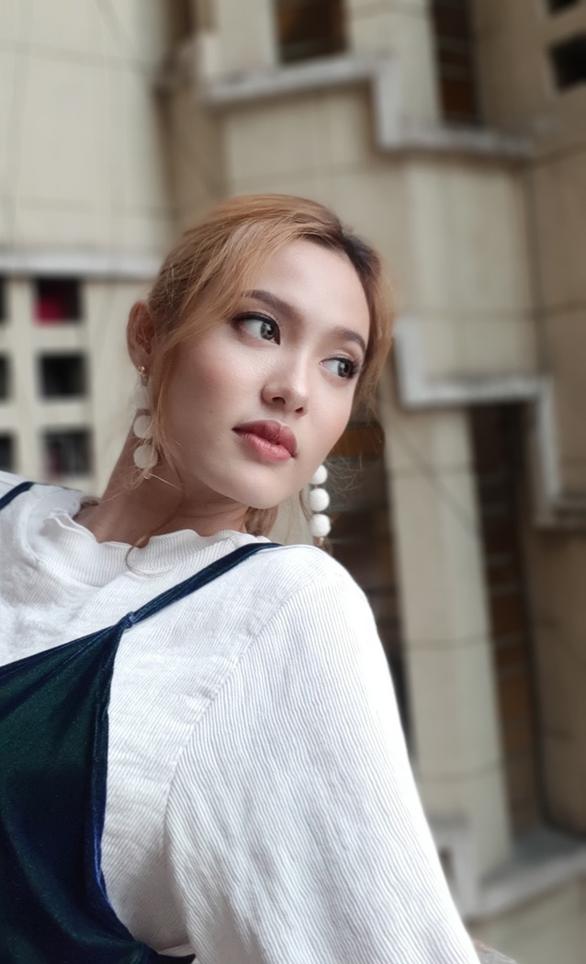 Đằng sau những bức ảnh selfie cực chất của Fung La - Ảnh 3.