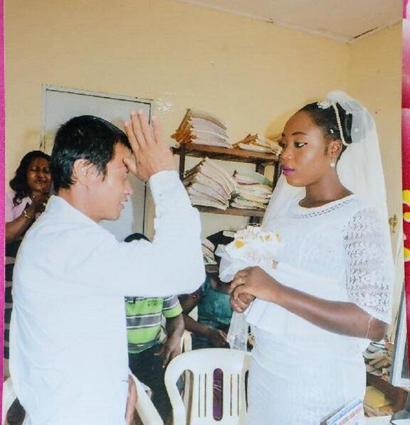 Dân Trung Quốc tò mò khi đàn ông lấy vợ châu Phi - Ảnh 2.