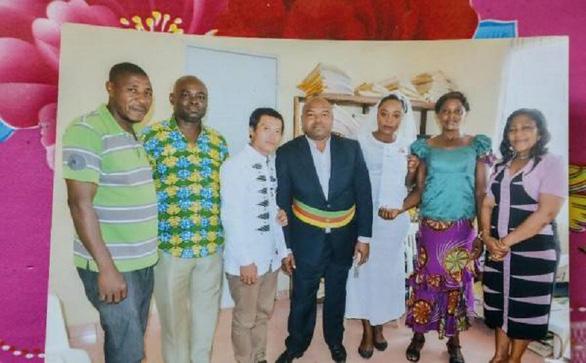 Dân Trung Quốc tò mò khi đàn ông lấy vợ châu Phi - Ảnh 5.