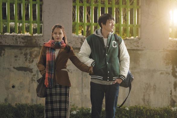 Son Ye Jin - So Ji Sub nên duyên vợ chồng sau... 17 năm gặp lại - Ảnh 2.