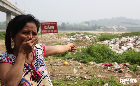 Bãi bồi sông Lam ngập rác, dân kêu trời vì ruồi - Ảnh 3.