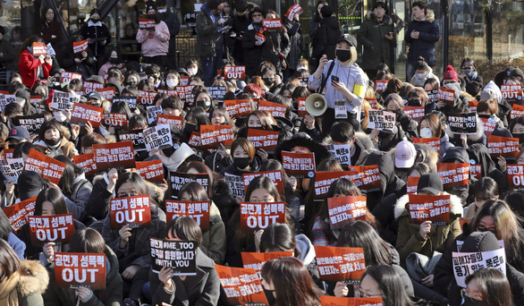 Hàn Quốc chấn động liên tiếp vì tố cáo lạm dụng tình dục - Ảnh 9.