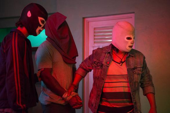 Charlize Theron hấp dẫn chết người trong phim hài Gringo - Ảnh 9.