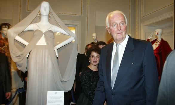 Hubert de Givenchy - Người đàn ông thanh lịch đã không còn - Ảnh 1.
