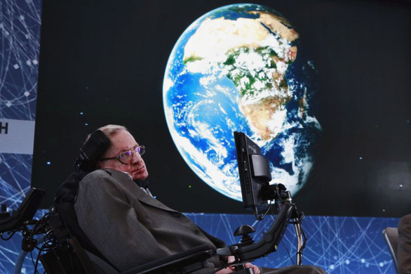 Stephen Hawking - thiên tài truyền cảm hứng - Ảnh 1.