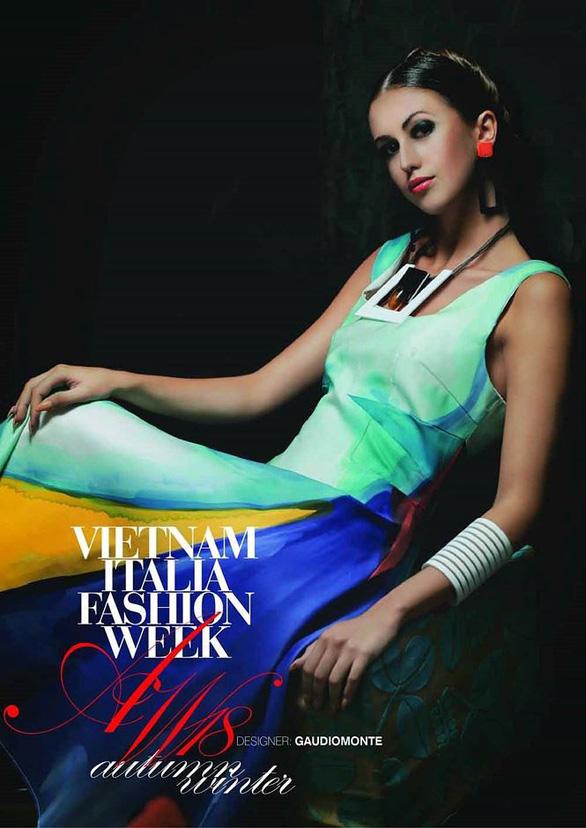 Ngắm thời trang Việt - Ý và xem triển lãm ươm tơ dệt lụa - Ảnh 5.