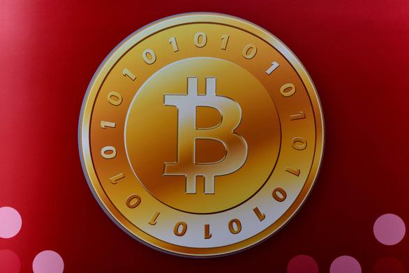 Bitcoin tăng vọt giá, vượt mốc 11.000 USD nhờ hiệu ứng từ Facebook? - Ảnh 1.