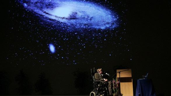 Stephen Hawking, người khiêu vũ với... xe lăn - Ảnh 5.