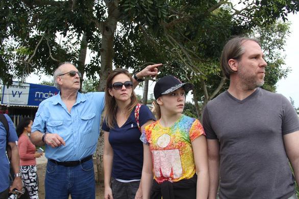 Người chụp hình thảm sát Sơn Mỹ trở lại mảnh đất tang thương - Ảnh 2.