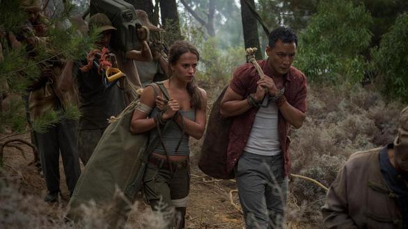 Quên Angelina Jolie đi, Alicia chính là nàng Lara được mong chờ - Ảnh 7.