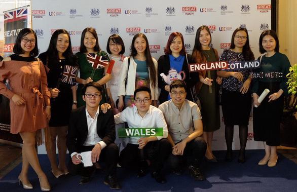 Cựu du học sinh tiết lộ cách lấy học bổng thạc sĩ Anh - Ảnh 1.