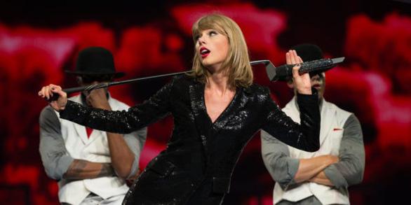 Fan chờ tour Reputation của Taylor Swift và các nữ khách mời - Ảnh 1.