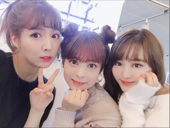 Người Hàn ký kiến nghị cấm nhóm nhạc có diễn viên khiêu dâm - Ảnh 3.