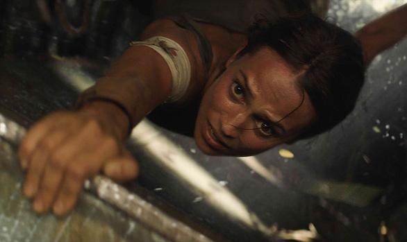 Quên Angelina Jolie đi, Alicia chính là nàng Lara được mong chờ - Ảnh 4.