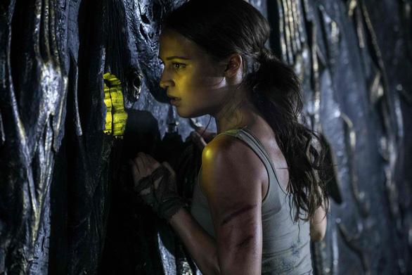 Quên Angelina Jolie đi, Alicia chính là nàng Lara được mong chờ - Ảnh 5.