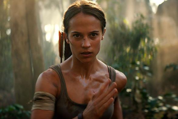 Quên Angelina Jolie đi, Alicia chính là nàng Lara được mong chờ - Ảnh 10.