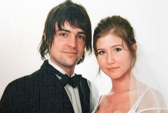Cái chết đầy bí ẩn của chồng nữ điệp viên Nga gợi cảm nhất - Ảnh 2.