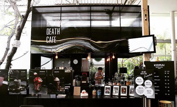 Đi Bangkok uống cà phê ở quán cà phê đám tang - Ảnh 4.