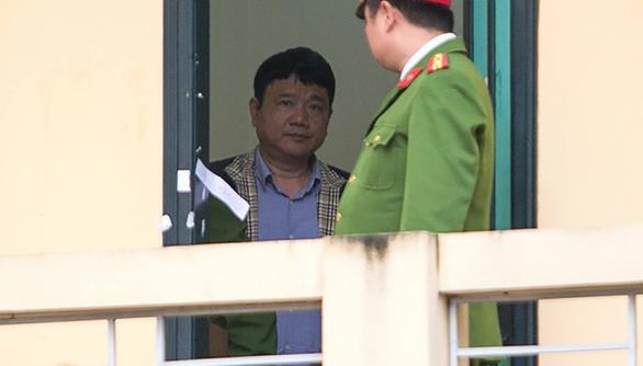 Ông Đinh La Thăng bị cáo buộc cố ý làm trái vụ 800 tỉ ra sao? - Ảnh 1.