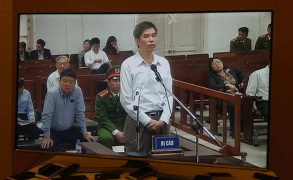 Cách ly bị cáo Đinh La Thăng để thẩm vấn các đồng phạm - Ảnh 2.