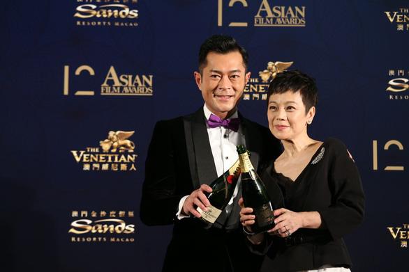 Cổ Thiên Lạc đăng quang Ảnh đế giải thưởng điện ảnh châu Á - Ảnh 1.