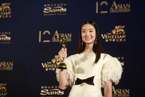 Cổ Thiên Lạc đăng quang Ảnh đế giải thưởng điện ảnh châu Á - Ảnh 6.