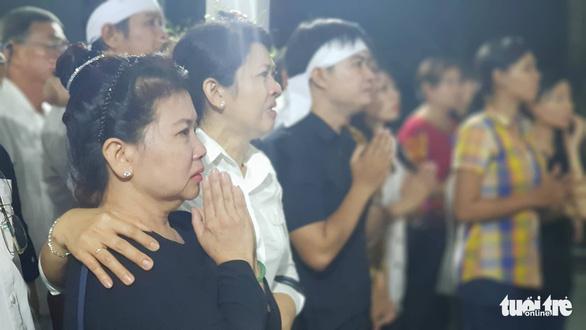 Người dân ra đường tiễn cố Thủ tướng Phan Văn Khải - Ảnh 6.