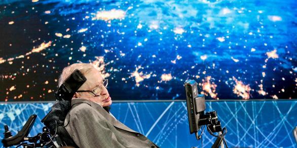 Stephen Hawking: Có một vũ trụ song song với chúng ta - Ảnh 1.