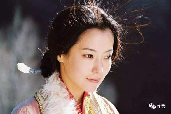 Tại sao ca khúc của Thành Long và Kim Hee Sun bỗng nhiên hot? - Ảnh 6.