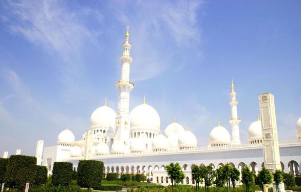 Sheikh Zayed - Thánh đường trắng tuyệt đẹp ở Abu Dhabi - Ảnh 2.