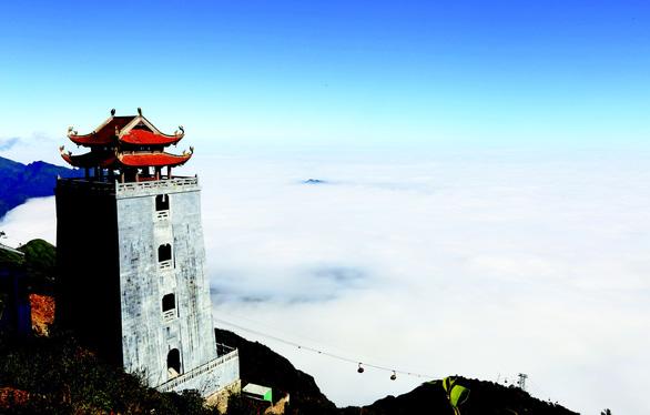 Quần thể tâm linh trên đỉnh Fansipan: Đường lên cõi Phật mây bay - Ảnh 2.