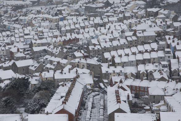 Tuyết rơi mùa xuân ở Anh - Ảnh 12.