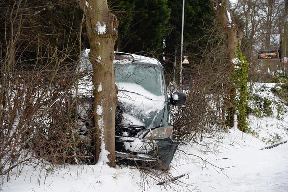 Tuyết rơi mùa xuân ở Anh - Ảnh 5.
