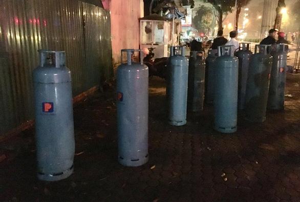 Quán nướng hai tầng nổ giữa đêm ở Nghệ An - Ảnh 4.