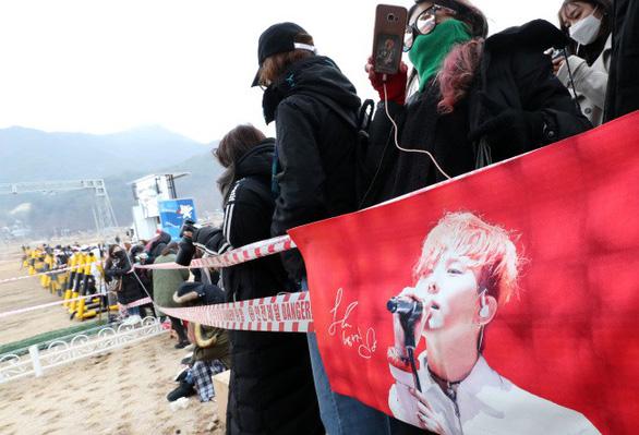 G-Dragon - BigBang và những hình ảnh đáng nhớ ngày nhập ngũ - Ảnh 8.