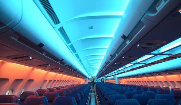 Vì sao ghế máy bay thường có màu xanh? - Ảnh 3.