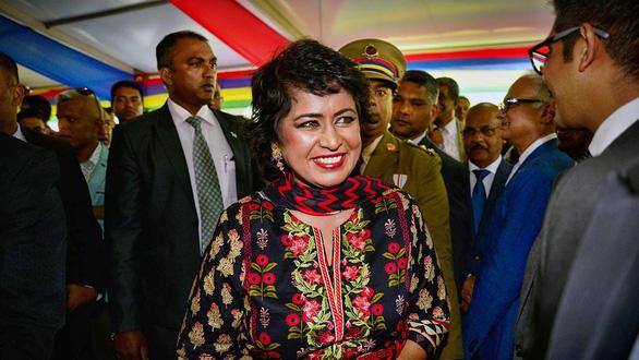 Nữ tổng thống duy nhất châu Phi chết vì thẻ tín dụng nước ngoài - Ảnh 1.