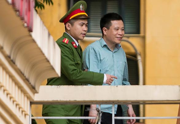Ông Hà Văn Thắm xin vài ngày thôi để trả PVN 800 tỉ - Ảnh 1.
