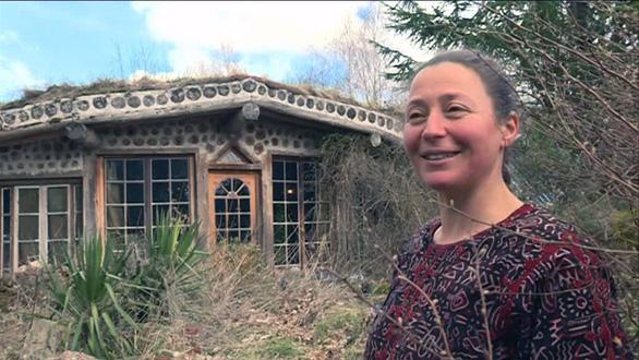 Bí quyết xây ngôi nhà thuận tự nhiên chưa tới trăm triệu đồng - Ảnh 2.