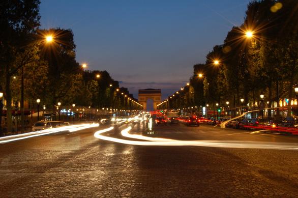 6 địa điểm nhất định phải ngắm khi du hí Paris - Ảnh 2.