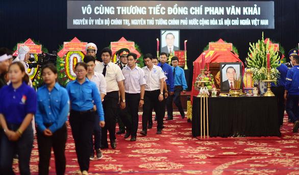 Những tâm sự xúc động trước linh cữu cố Thủ tướng Phan Văn Khải - Ảnh 5.