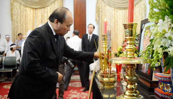Những tâm sự xúc động trước linh cữu cố Thủ tướng Phan Văn Khải - Ảnh 4.