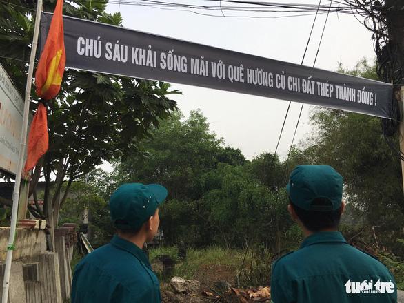 Hàng ngàn người tiễn cố Thủ tướng Phan Văn Khải về đất mẹ - Ảnh 16.