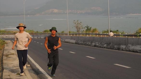 VTV hoãn phim về Cao Đức Thái - người chạy xuyên Việt trong 30 ngày - Ảnh 1.
